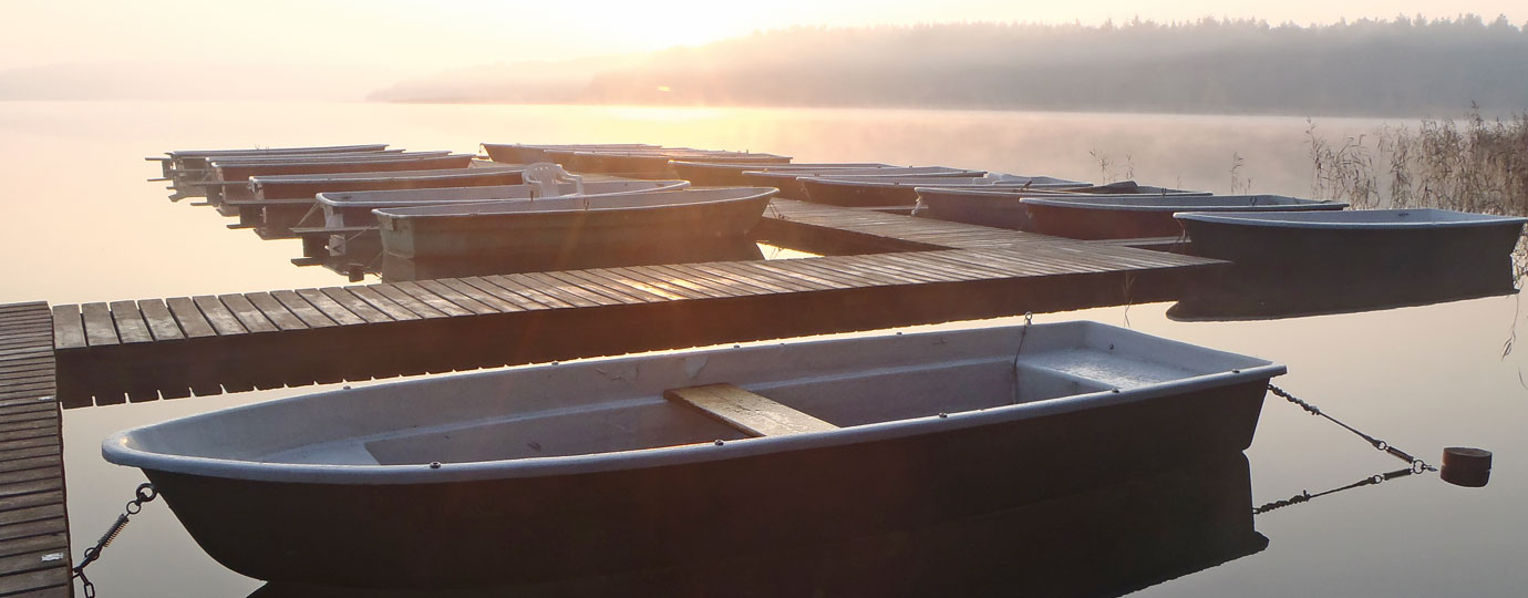 Herbsturlaub: Ruderboothafen am Fürstenseer See